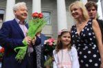 Олег Табаков с Мариной Зудиной и детьми, Машей и Павлом