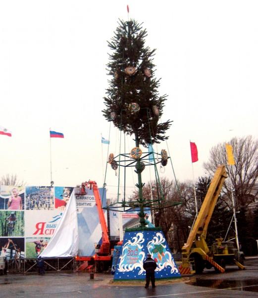 С 22 декабря Театральная площадь перейдет на новогодний режим