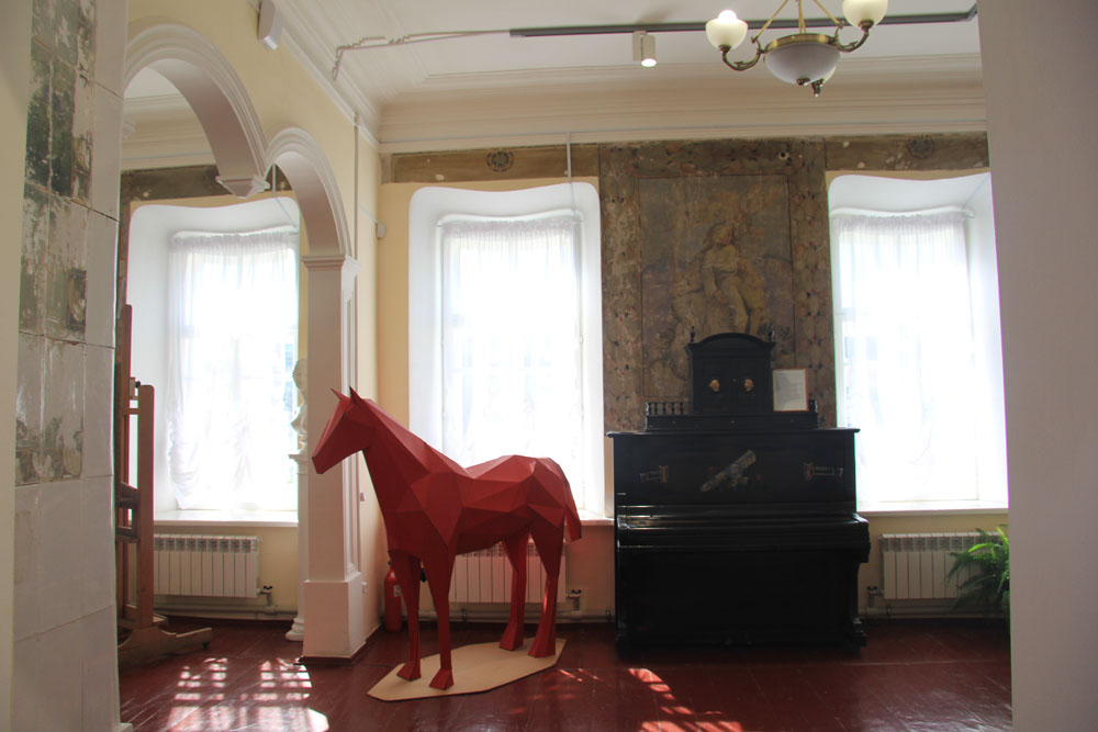 Фрески Льва Радищева в хвалынском музее будут отреставрированы