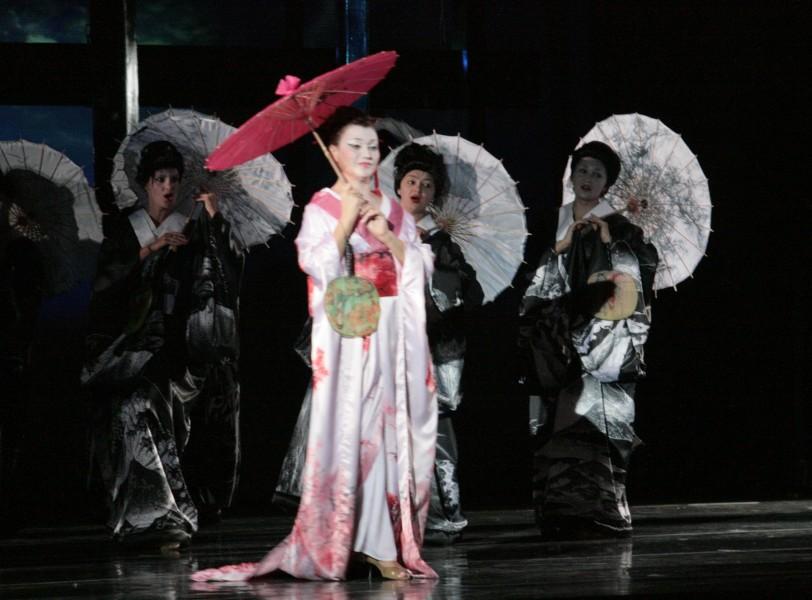 Театру оперы и балета предстоит отработать юбилейный сезон