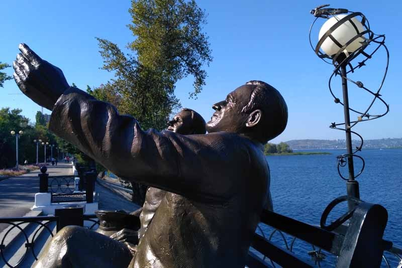 Памятник Юрию Гагарину и Сергею Королеву «Перед полетом»