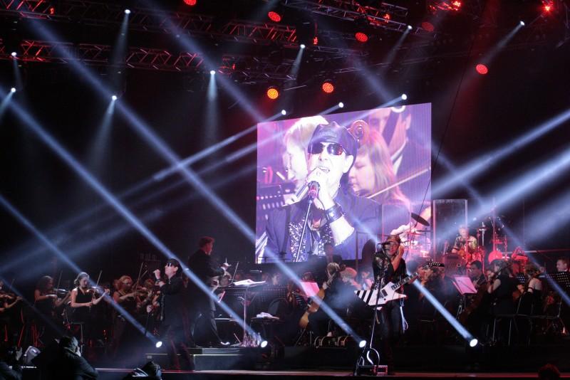 В рамках прощального тура в Саратове прошел концерт легендарной группы «Scorpions».