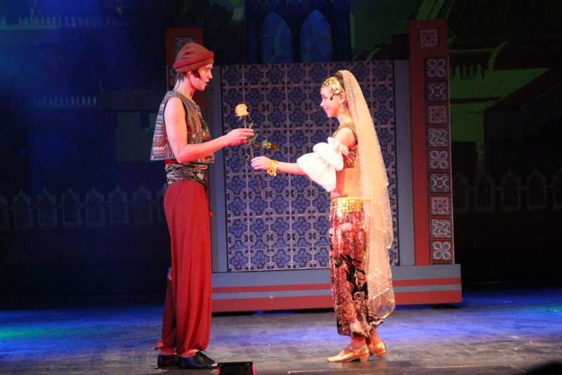 Театр драмы приготовил новогодние чудеса в восточном стиле