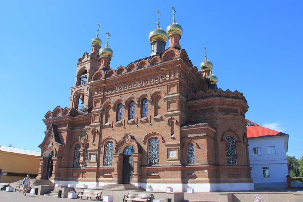 Крестовоздвиженский храм в Хвалынске