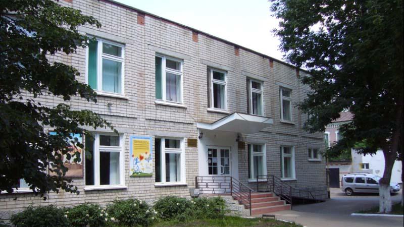 Петровской библиотеке присвоено имя Сергея Михалкова