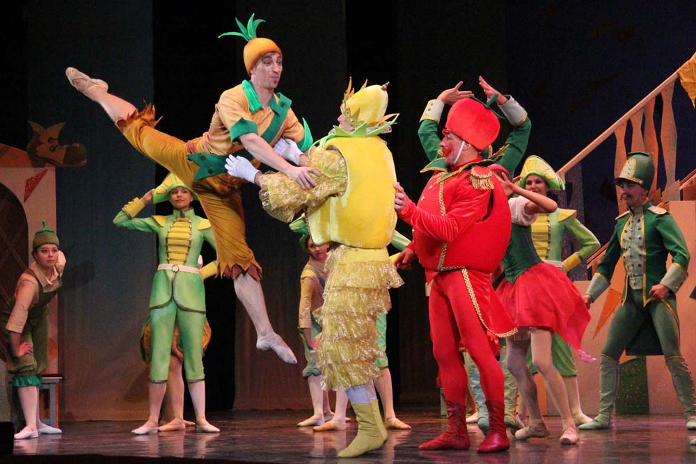 Саратовский театр оперы и балета покажет два спектакля на гастролях в Балакове