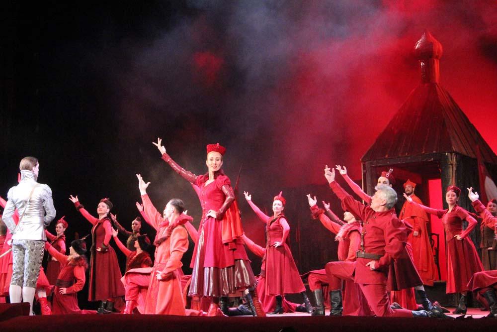 Балетная труппа Саратовского оперного приглашает на Гала-концерт