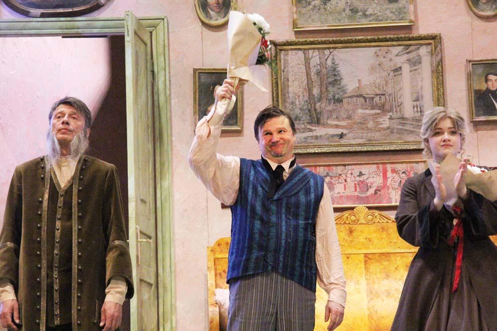 Театр Маяковского попытался «понять Обломова с позиции любви»
