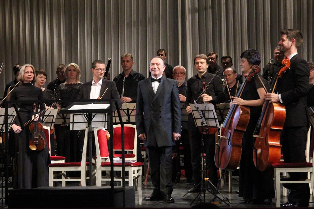 Юрий Кочнев с оркестром на Собиновском фестивале